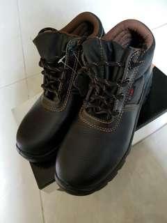 安全鞋全新