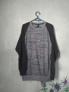 sweater hitam abu abu