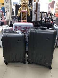阿豪 台灣品牌 Travel Plus 磨紗表面 28吋 行李箱
