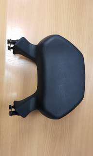 SYM GTS 300i 尾枕