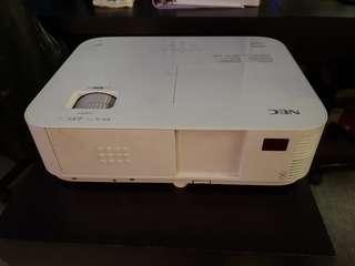 NEC projector M402