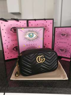 Gucci marmont GG matelasse Small Bag Black Leather