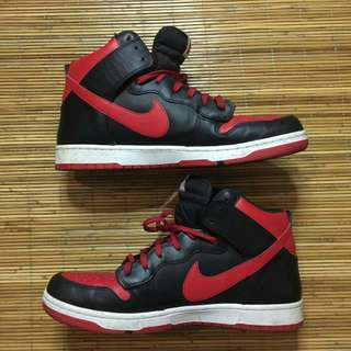 Nike Dunk High CMFT Bred