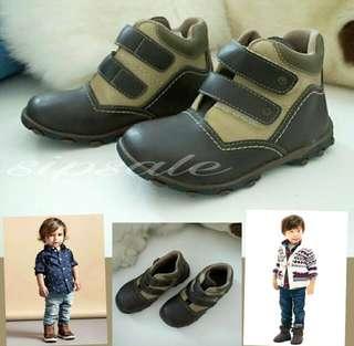 Sepatu boots anak andre valentino