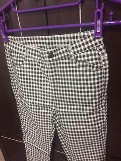 全新✨ Mooncat 格子褲
