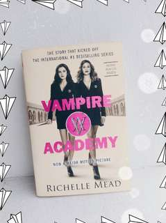 [WITH MOVIE POSTER] VAMPIRE ACADEMY BOOK 1