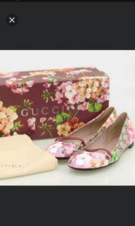 Authentic Gucci blossom flat shoe