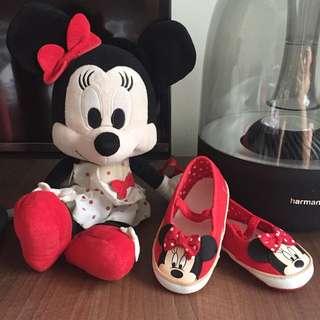 Minnie Mouse shoes super cute!