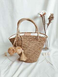 🚚 Pom Pom Straw Tote Beach Bag For Summer (Small)