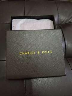CHARLES & KEITH 暗紅色卡片套