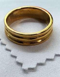 916 - Gold Ring ❤️