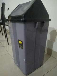 Tempat Sampah 80 cm