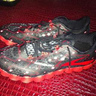 Brand New Brooks Neuro Size 13
