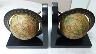 BNIB Globe bookends/ stand