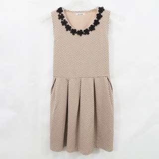 🚚 精品店購入專櫃品牌 Gawai couture 藕色 圓點 立體編織面料 無袖洋裝