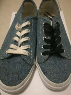 HnM shoes blue with black and white laces.