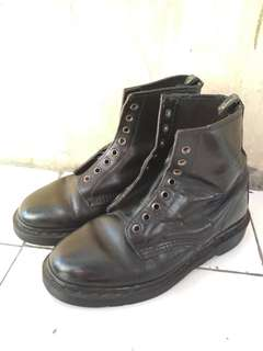 Dr. Martens 1460 / size 40 / 8 hole / made in england