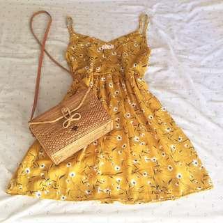 Mustard dainty dress 👗