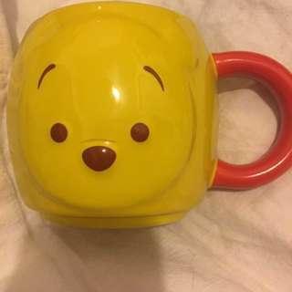 Disneyland. Winnie the Pooh 杯 $45 全新