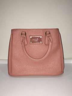 蜜桃女孩手提包