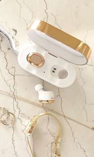 Brand New Rose gold dear ear official wireless earphone with charging case