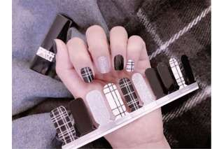 PO - checkered black n white nail sticker