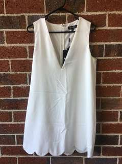 BNWT Missguided low cut white dress