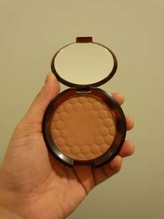 The Body Shop -  Honey Bronze Bronzing Powder