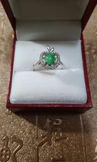 天然翡翠戒指配925銀扣,活圈,超低價$400。