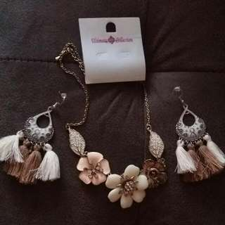 Set OfNecklace& Earings