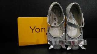 Yongkidz Sepatu Silver