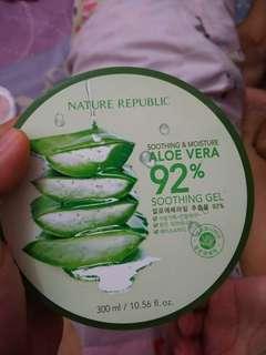 Nature republic (aloe vera92%)
