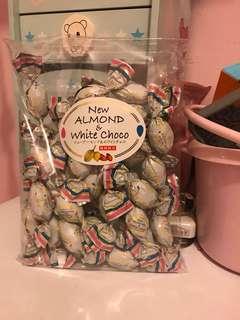 日本杏仁白朱力 almond & white choco 限定