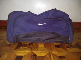 authentic nike duffle bag preloved