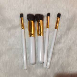 White Gold Kabuki Brushes