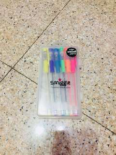 🚚 Negotiable smiggle 7 scented inkball pen never used before with case