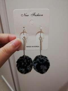 全新特價毛毛球耳環耳釘Earrings