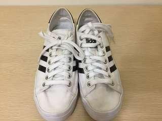 🚚 二手 adidas |Court Vantage Shoes