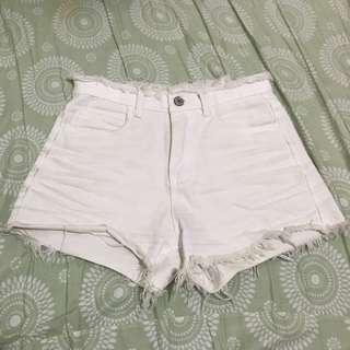 ♡白色抽鬚牛仔短褲