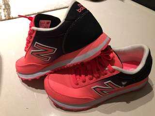 New balance original sports shoes