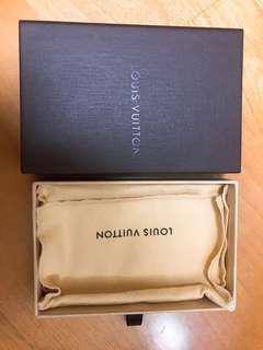 LV 零錢包盒子