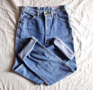Vintage mom jeans 🌹
