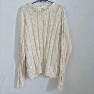 Broken white knit sweater