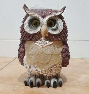decor owl figurine