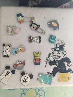 迪士尼徽章 迪士尼徽章 Disney pins for trade and sale