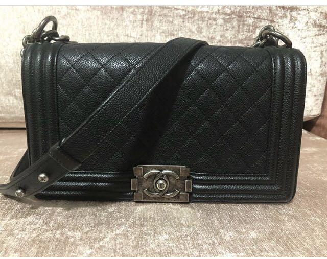 be1913fcb20165 Chanel boy caviar medium rhm, Luxury, Bags & Wallets, Handbags on ...