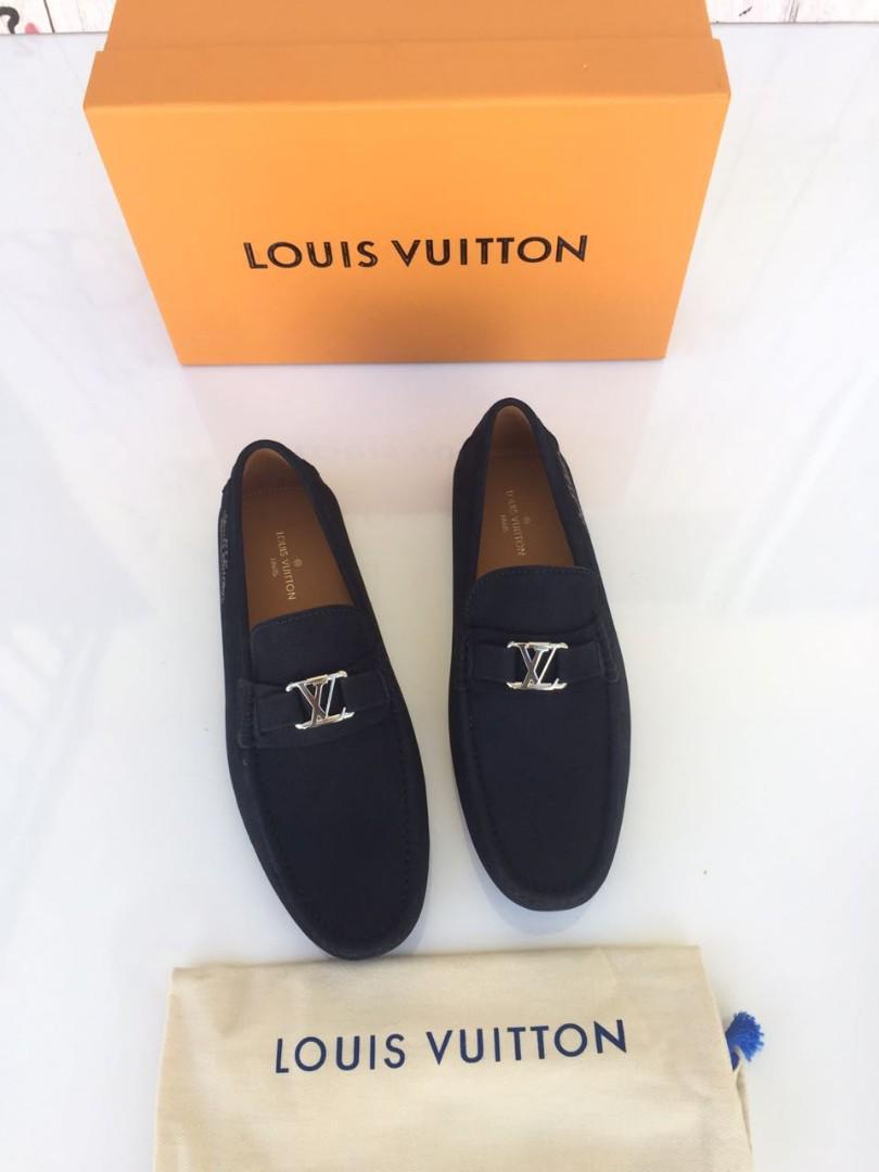 LV Men shoe ND0618#1   Mirror Quality, bahan kulit asli size 39-44.   Insole 39 = 25,5cm 40 = 26,5cm 41 = 27cm 42 = 27,5cm 43 = 28cm 44 =28,5cm Include dustbag & box.    Berat 1kg  H 1.380.000