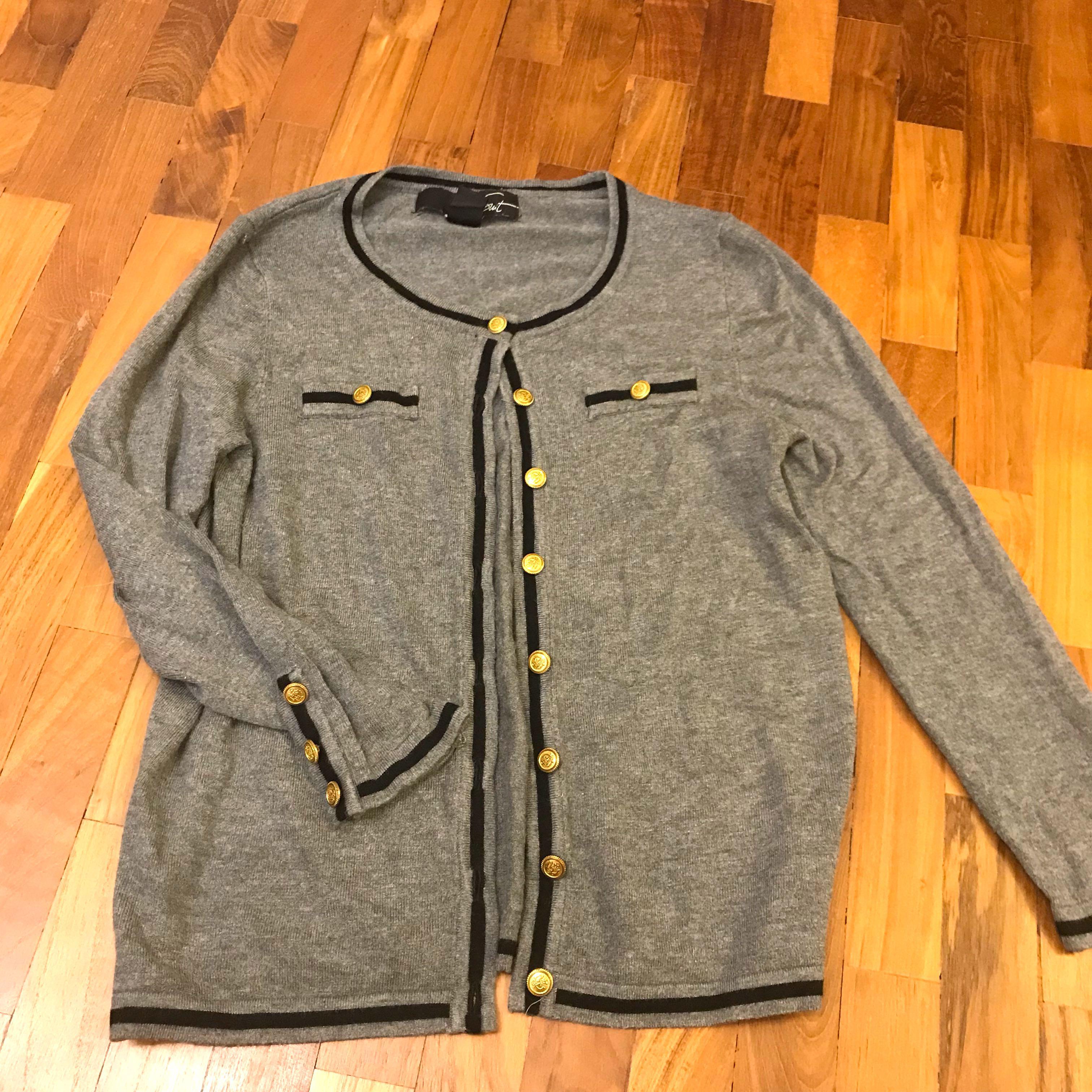 Preppy nautical look grey and navy blue mango sweater