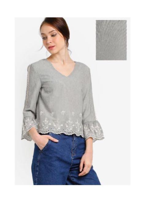 2cdc4bf6889 ZALIA Embroidered Stripe Crop TOP, Women's Fashion, Clothes, Tops on ...