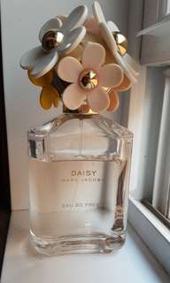 Daisy Eau So Fresh par Marc Jacobs 4.2 oz
